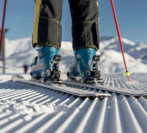 blue Ski Shoes, ribbed surface